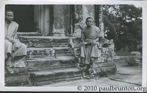 Angkor_Monks_copyright