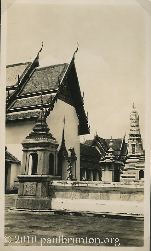 Bangkok_Temple_of_Emerald_Buddha_copright