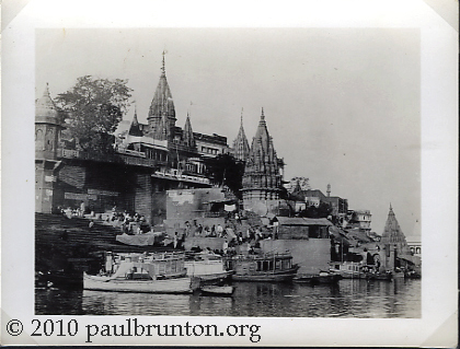 Burning_Ghats_Benares_in_the_30s_copyright
