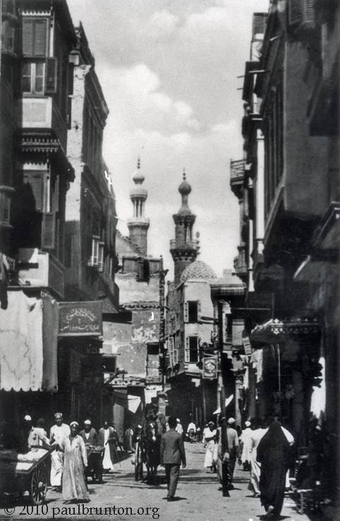 Cairo_street_with_minarets_circa_1935_with_copyright