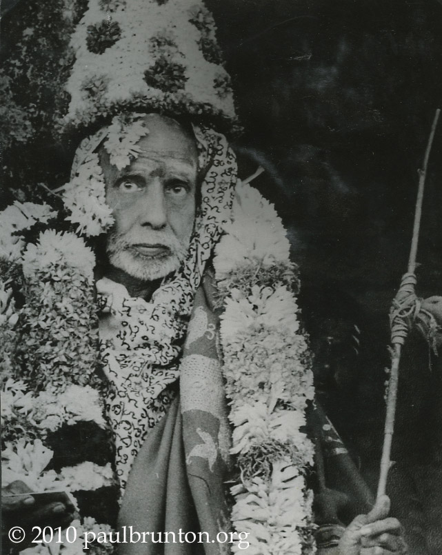Shankaracarya_with_floral_crown_with_copyright