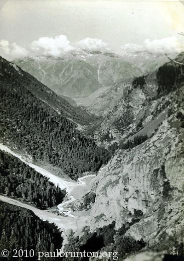 Tibetan_Himalayan_Valley_copyright
